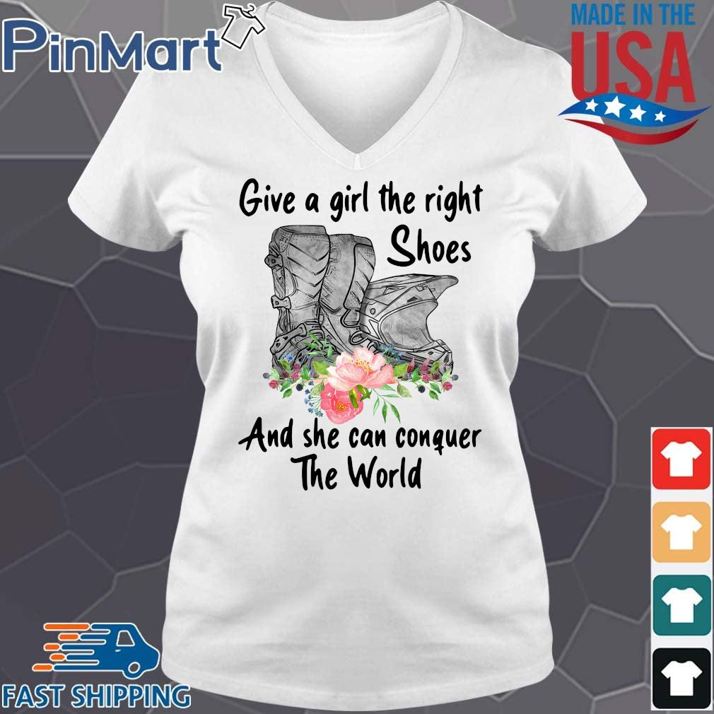 Give a girl the right shoes and she can conquer the world floral s V-neck trang