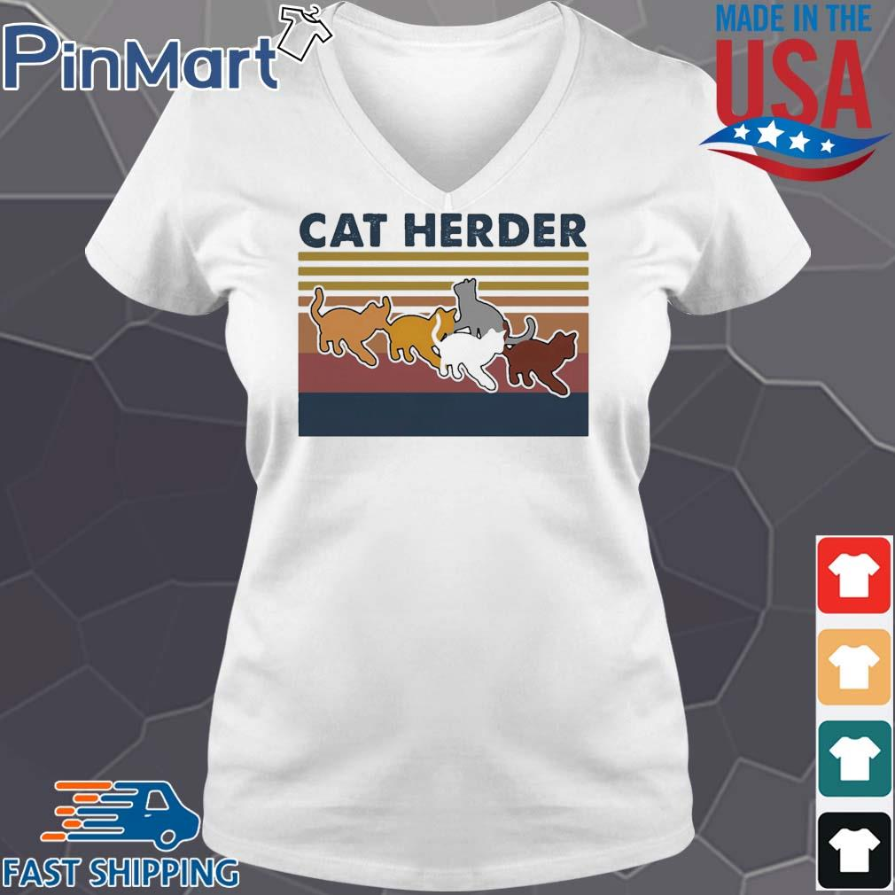 Cat herder Vintage s V-neck trang